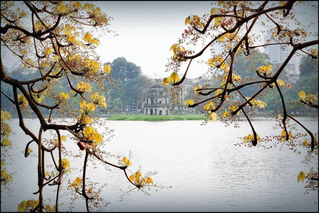 Hồ Hoàn Kiếm & Tháp Rùa