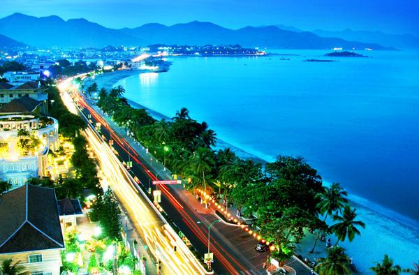 Săn vé máy bay giá rẻ tháng 8 đi Nha Trang