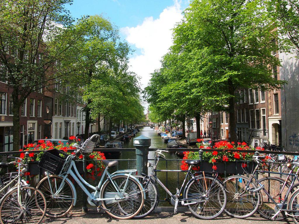 Amsterdam thơ mộng, xinh đẹp