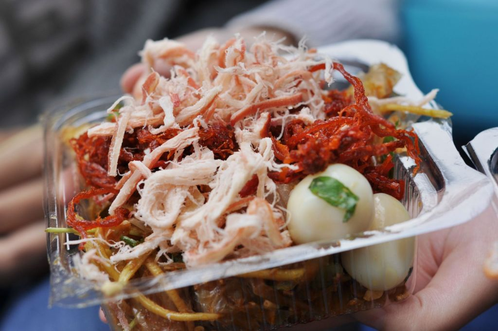 Bánh tráng trộn Nguyễn Thượng Hiền
