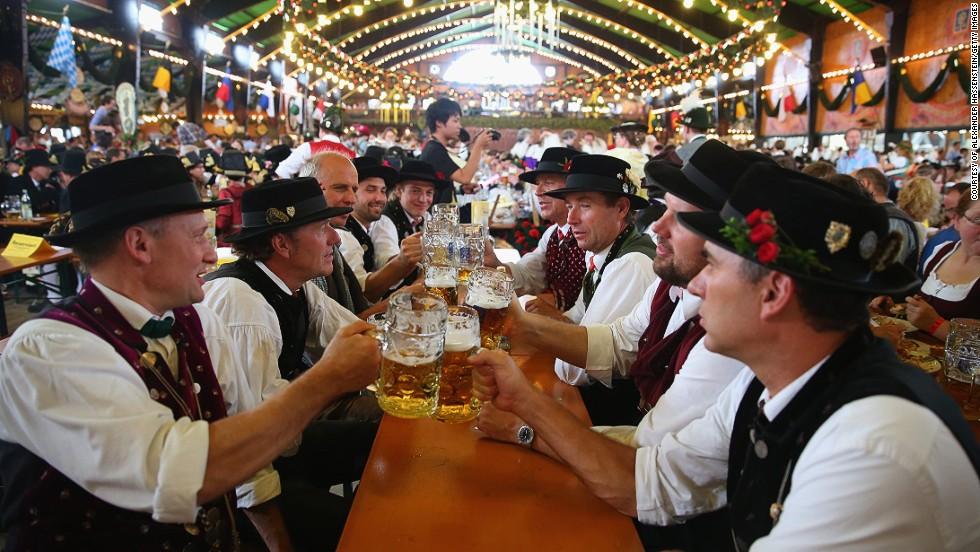 Lễ hội bia Oktoberfest nước Đức