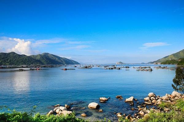 Vé máy bay khuyến mãi đi Phú Yên tháng 8