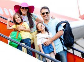 Trẻ em đi máy bay cần giấy tờ gì và chuẩn bị ra sao ?