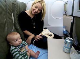 Mẫu giấy ủy quyền cho trẻ em đi máy bay các ông bố, bà mẹ cần biết