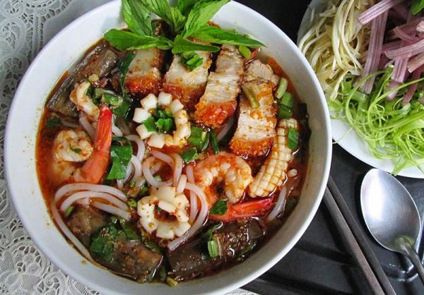 Bún mắm hải sản Dung Hà