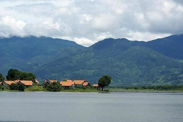 Khu du lịch Hồ Lăk