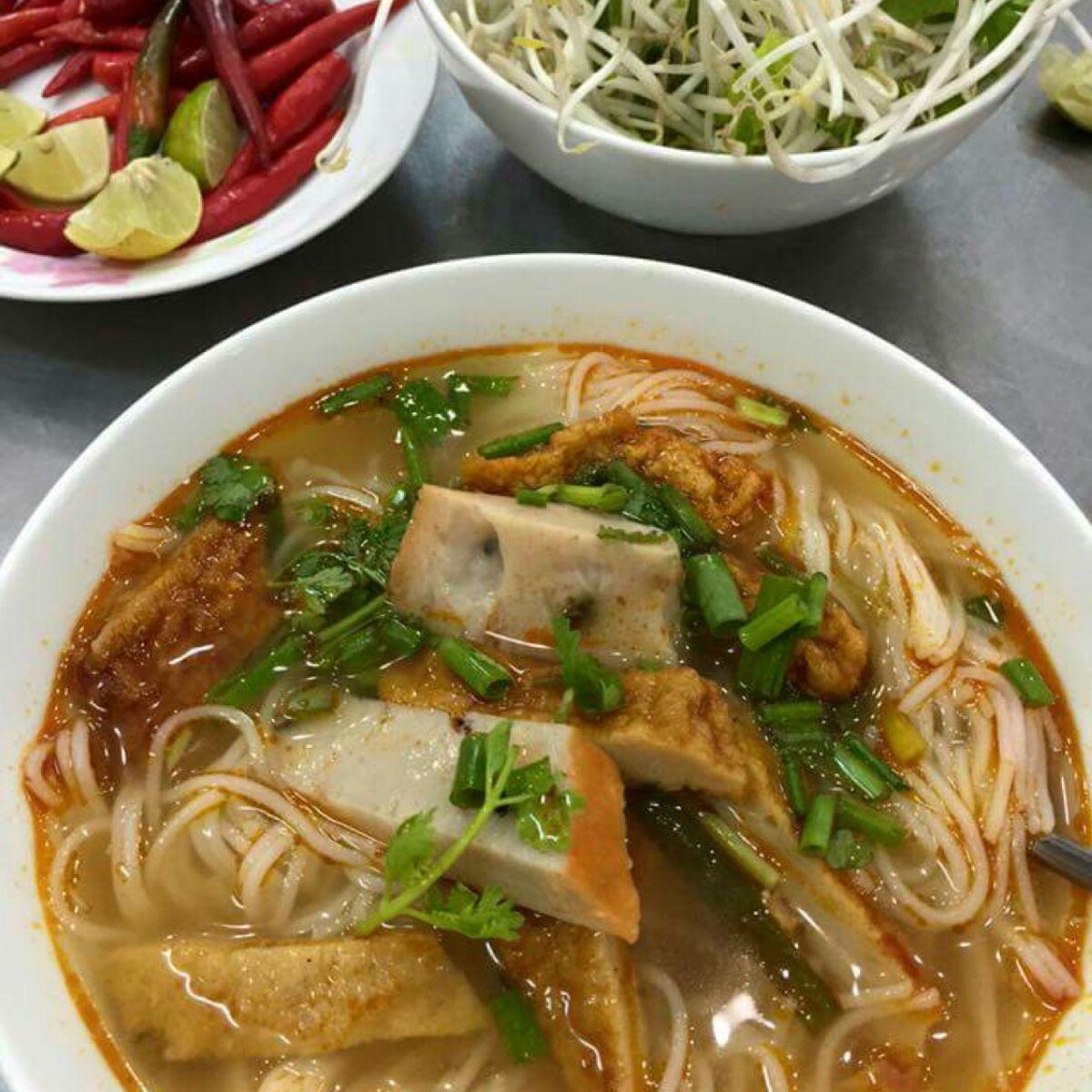 Bún chả cá cá Bà Lữ
