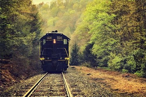 Nên đi tàu hỏa hay máy bay